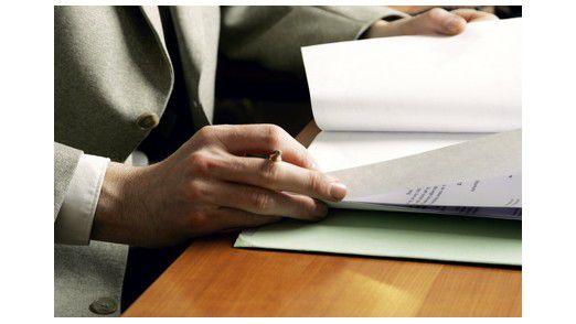 """Bekommt der CIO eine Bewerbungsmappe auf den Tisch, steht im Betreff des Anschreibens meistens """"Ihre Anzeige auf StellenportalXXX.de"""" - auf Online-Jobbörsen schreiben Firmen schließlich auch die meisten Stellen aus."""