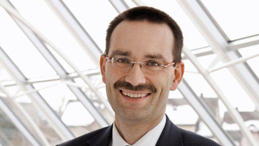"""CIO-des-Jahres-Juror Reinhard Jung, Professor an der Universität St. Gallen: """"Man schaffte bei relativ geringem Budgetaufwand, unter Zeitdruck und mit einem kleinen Team die Neuentwicklung eines IoT-Produkts."""""""
