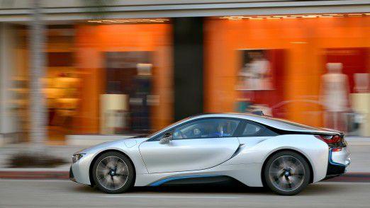 Der Trend hin zu mehr Elektroautos wie z.B. dem BMW i8 wird die Automobilbranche durchrütteln.