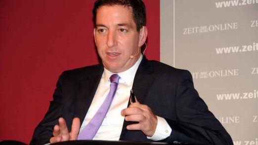 """Greenwald stellte im Münchner Literaturhaus sein Buch """"Die globale Überwachung"""" vor."""