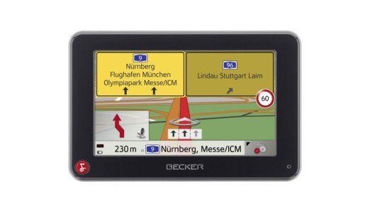 Becker Traffic Assist Z116: Der rote Knopf führt im Bedienmenü immer einen Schritt zurück.