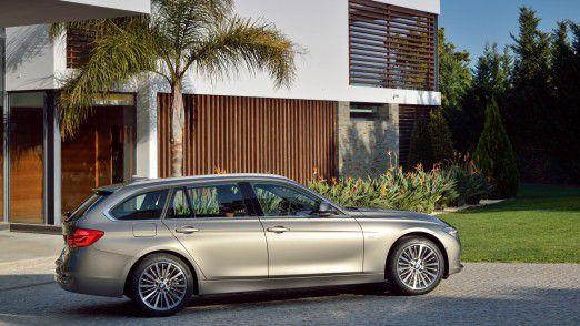 Ob der BMW künftig vorbeikommt und den Fahrer abholt oder weiterhin vor der Tür auf eine mögliche Fahrt wartet, wir die Zukunft zeigen.