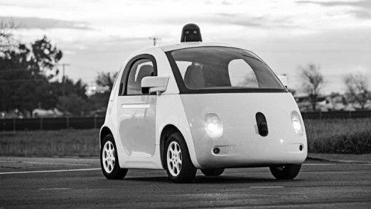 Sieht aus wie ein Ei, ist aber eine Art Auto: Googles führerloses Vehikel ist das bekannteste Beispiel für eine Kundennahe IoT-Anwendung.