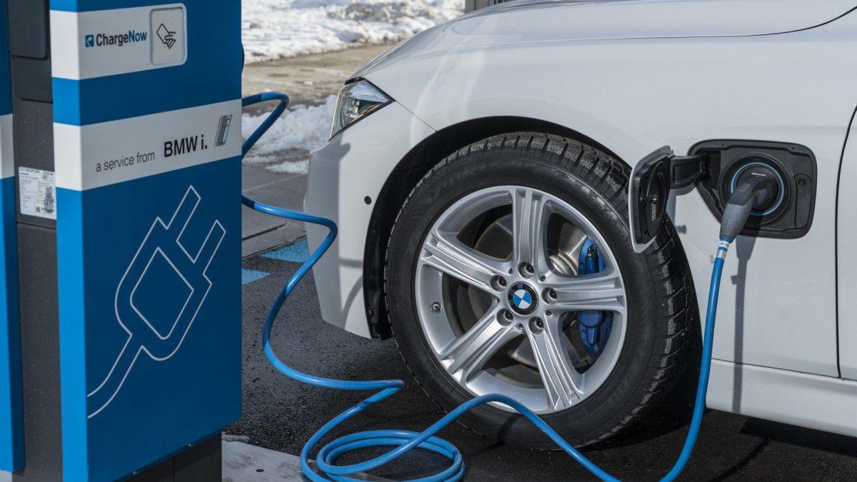 Fahrzeugauslieferungen Bmw Group Steigert Absatz Erneut Ciode