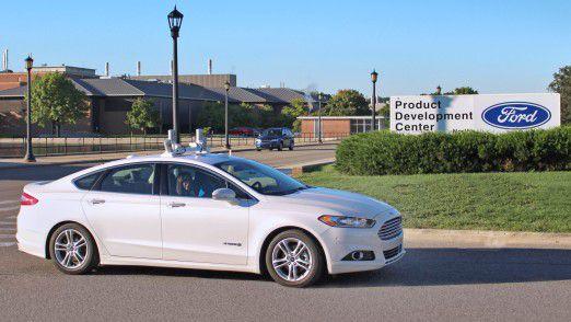 Neben Ford (Foto) arbeiten fast alle großen Autohersteller am autonomen Fahren.