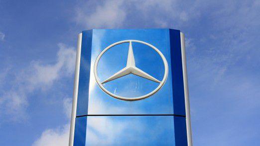 Mercedes verkaufte 2017 mit der Kernmarke mehr Autos als BMW. Aber wie wichtig ist der Autoabsatz überhaupt noch? Ist die Anzahl der Kunden mittlerweile nicht viel entscheidender?