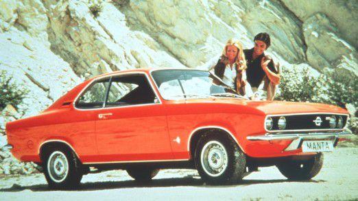 Einfach nur sparen brachte schon mit GM keinen Erfolg. Die Marke Opel braucht den Glanz alter Zeiten zurück wie ihn in den 70er-Jahren dieser Opel Manta A, Luxus, hatte.