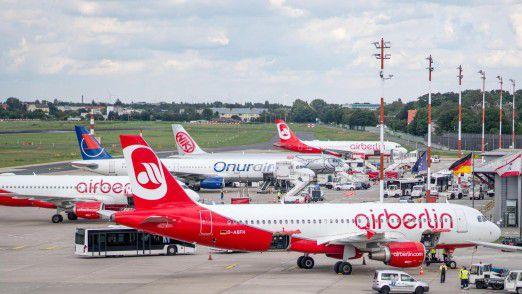 Viele Lieferanten und Flughäfen verlangen von Air Berlin inzwischen Vorkasse.