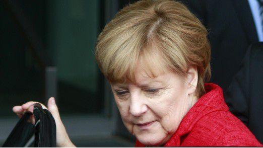 Bundeskanzlerin Merkel warnt vor einem Rückstand Deutschlands bei neuen Technologien und KI.