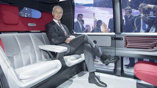 Die Autofahrer würden nur auf E-Autos umsteigen, wenn die gesamte Branche jetzt ihre Hausaufgaben erledige, so VW-Chef Matthias Müller.