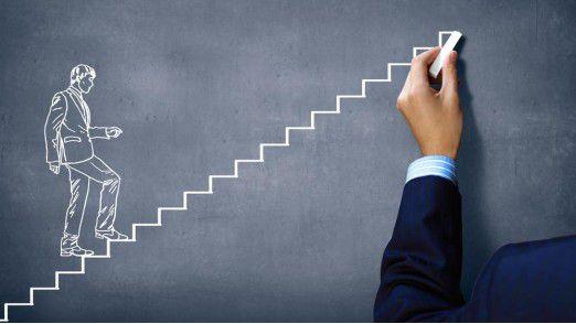 Welche Stufe des digitalen Reifegrads ein Unternehmen erreicht hat, können IT-Chefs selbst feststellen.