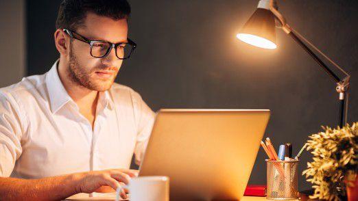 Über 60 Prozent der deutschen Arbeitnehmer macht regelmäßig Überstunden.