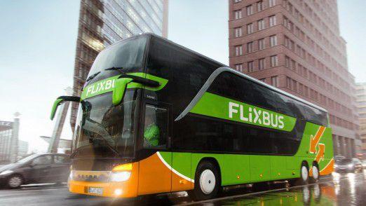 Rund 1000 Busse im Flixbus-Outfit sind auf Europas Straßen unterwegs. Flixbus trackt Fahrzeug- und Kundendaten sehr genau.