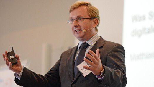 """""""Cloud Computing wird mittelfristig das De-facto-IT-Architektur-Modell für die digitale Transformation in allen Unternehmen sein"""", prognostiziert IDC-Analyst Matthias Zacher."""