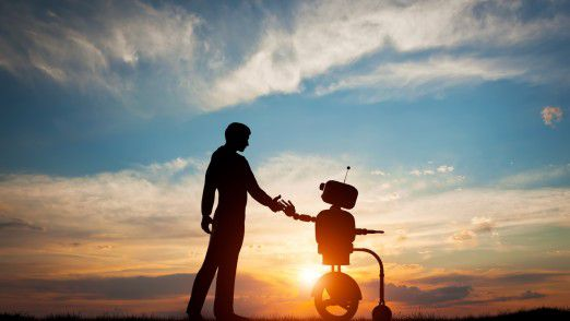 Wer wem in Zukunft den Weg zeigt, dass wird die spannendste Frage im Verhältnis zwischen Menschen und Maschinen sein.