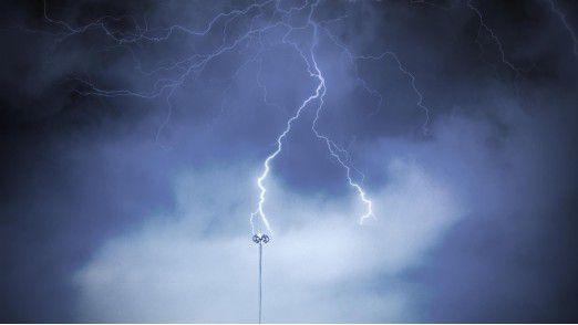 Viele Unternehmen sehen in der Nutzung von Cloud Computing mehr Gefahren als Chancen.