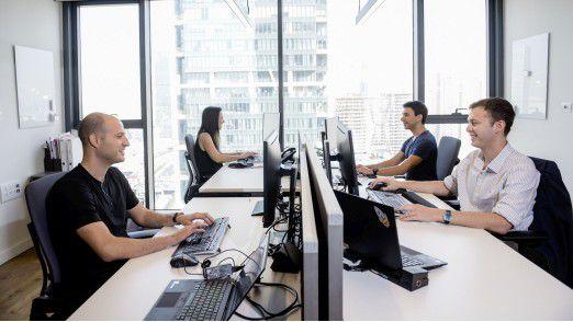 Entwickler bei der Eröffnung des neuen Digital Hub in Tel Aviv.