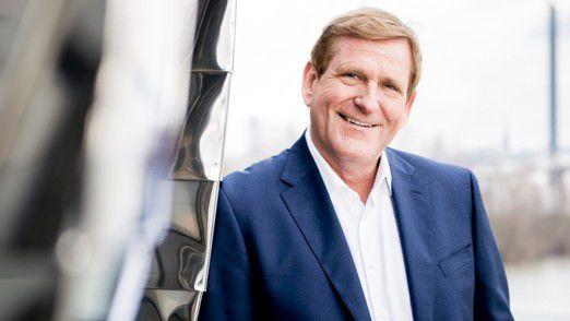 """""""Wir haben die erste Halbzeit der digitalen Welt verloren"""", meint Edgar Geffroy. Deshalb sollte sich Deutschland auf neue Geschäftsmodelle einstellen."""