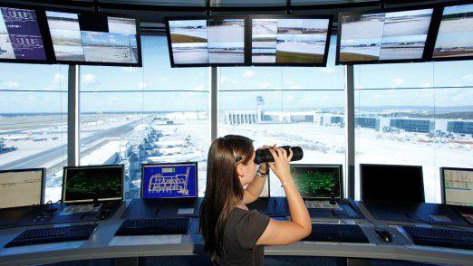 Vorfeldkontrolle bei Fraport.