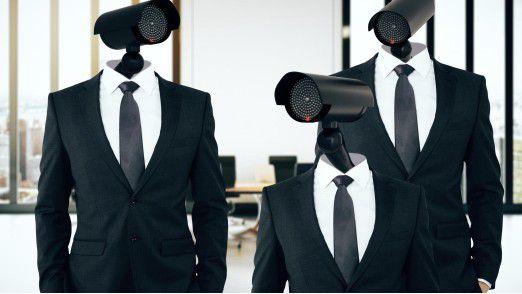 Chefs, die die Arbeitsplätze ihrer Mitarbeiter per Videoaufzeichnung überwachen, müssen gesetzliche Vorgaben beachten.