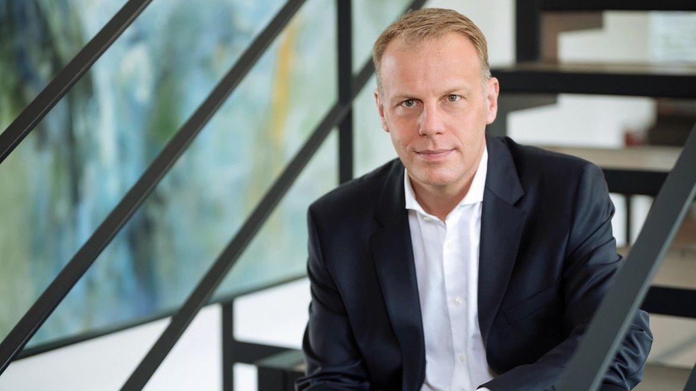 Henkel-CDIO Michael Nilles stellte dar, welche Aufgaben die Henkel-Digitaleinheit Digital Business (dx) übernimmt.