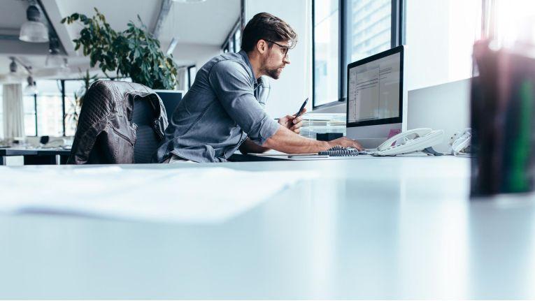 """Forscher wollen """"Desktop-Messies"""" mit KI helfen"""