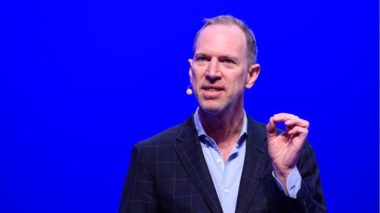 """""""Wir müssen dringend Technik mit Romantik verbinden."""" Autor Tim Leberecht sprach auf den Hamburger IT-Strategietagen 2020."""