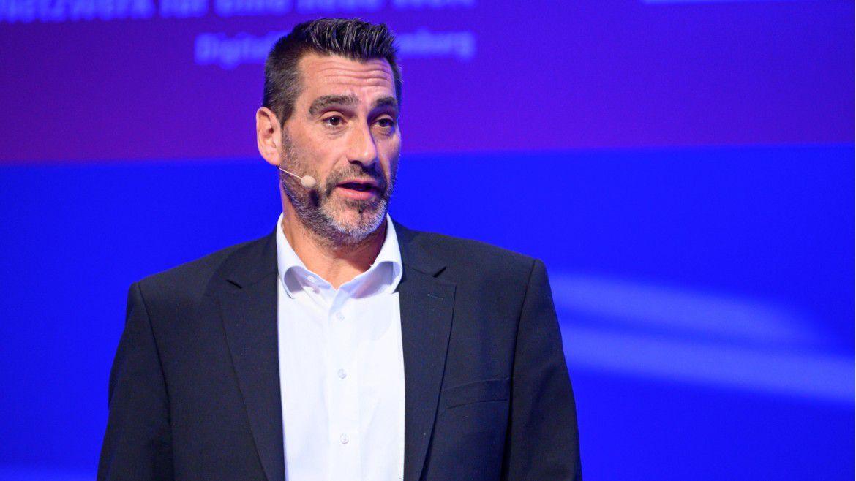 """Stephan Gerhager, Chief Informationsecurity Officer der Allianz Deutschland AG, sprach auf den Hamburger IT-Strategietagen. Er machte auf die Professionalisierung von Hacking-Angriffen aufmerksam. Doch """"Die IT muss einfach funktionieren"""", bringt es Gerhager auf den Punkt."""