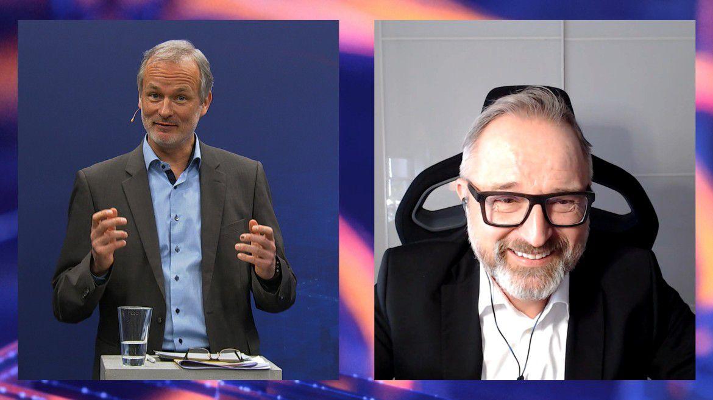 Markus Sontheimer (rechts) im Gespräch mit dem Moderator der Hamburger IT-Straegietage, Horst Ellermann.