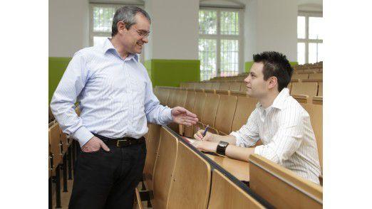 Michael Neff, Ex-CIO von Heidelberger und designierter CIO von RWE, mit Sohn Alexander im Mannheimer Hörsaal.