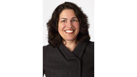 Forrester-Analystin Michele Pelino gibt Ratschläge wie CIOs den ByoD-Trend mit der richtigen Mobilstrategie in den Griff bekommen.