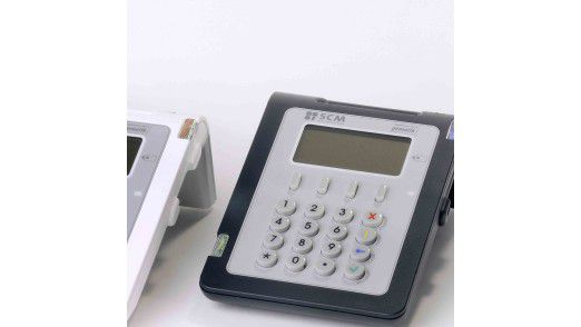 Viele ausgegebene Lesegeräte für die elektronische Gesundheitskarte sind schon veraltet, weil sie nicht über die jetzt notwendige LAN-Schnittstelle verfügen. Anders die neuen Geräte von Concat und Identive.