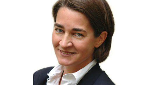 """PAC-Analystin Nicole Dufft warnt: """"Agilität und Innovationsfähigkeit müssen neben Funktionsfähigkeit und Sicherheit viel stärker ins Zentrum der IT-Strategie rücken – andernfalls droht der IT der Rückfall in die Bedeutungslosigkeit."""""""