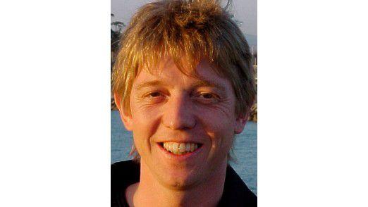 Daniel Liebhart ist Dozent für Informatik an der Züricher Hochschule für Angewandte Wissenschaften und Solution Manager der Trivadis GmbH.