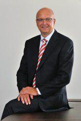 Rolf Schwirz ist CEO der Fujitsu Technology Solutions.