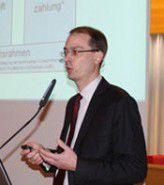 Ernst Stahl von Ibi Research mahnt Banken und Unternehmen, die SEPA-Umstellung nicht hinauszuzögern.