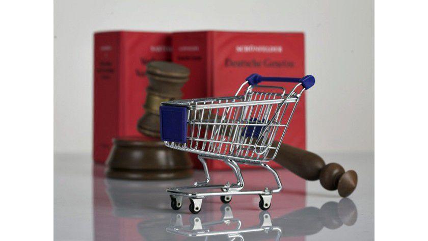 Der Onlinehandel wehrt sich gegen einige Einschränkungen beim Vekauf von Markenartikel.