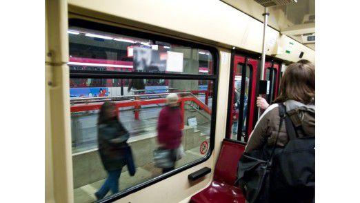 Eimerweise verlieren Pendler USB-Sticks im Zug, im Bus oder der U-Bahn.