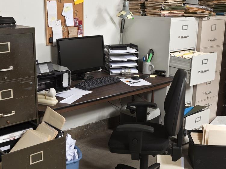 bild wer zuhause einen telearbeitsplatz in einem separaten raum einrichten muss kann. Black Bedroom Furniture Sets. Home Design Ideas