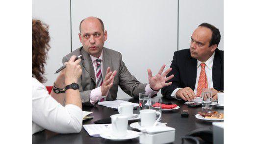 E.ON-CIO Edgar Aschenbrenner (links) und T-Systems-Geschäftsführer Hagen Rickmann im Gespräch mit CW-Redakteurin Karin Quack.