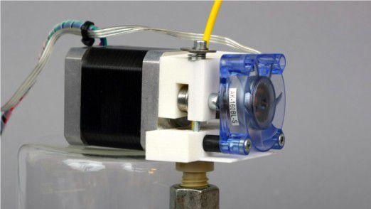 Der Extruder, quasi die Druckdüse, schmilzt das Material für den Druckvorgang.
