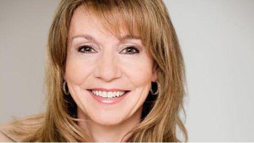 """Stefanie Waehlert ist Chief Digital Officer bei TUI Deutschland hat die Strategier """"Our digital journey"""" in ihren ersten Monaten bei TUI entworfen."""