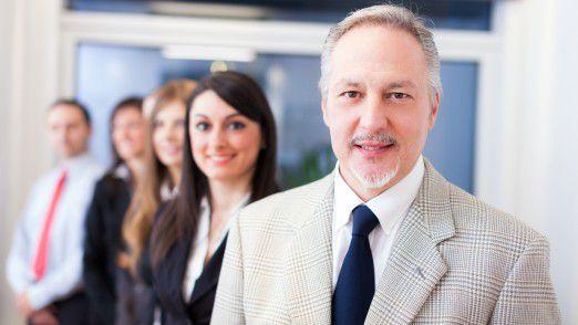 Um Projekt-Management erfolgreich zu gestalten, muss es sowohl von fachlicher wie auch von sozialer Kompetenz getragen werden.