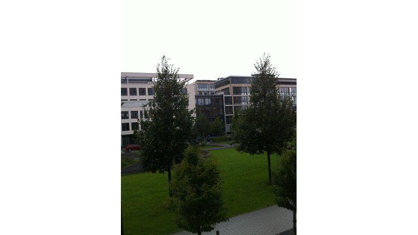 Ohne HDR: Diese iPhone-4-Foto aus unserem Büro ist mit abgeschalteter HDR-Funktion aufgenommen.