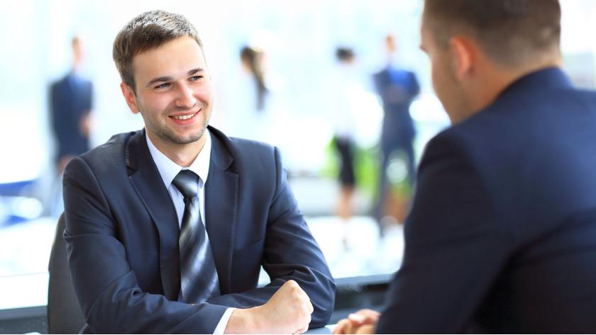 Chancen im Berufsalltag: Damit das Bewerbungsgespräch auf Augenhöhe funktioniert - Foto: FotolEdhar - Fotolia.com
