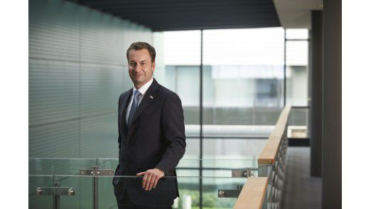 """""""Unsere Mitarbeiter müssen von jedem Standort der Welt aus einfach zusammenarbeiten können - innerhalb und außerhalb des Büros"""", sagt Bosch-CIO Elmar Pritsch."""