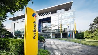 Deutsche-Bank-Tochter: Postbank setzt auf Online und Service-Center - Foto: Postbank