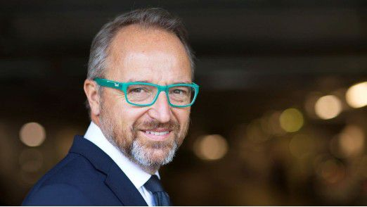 Markus Sontheimer wechselt von der Deutschen Bank zur Schenker AG.