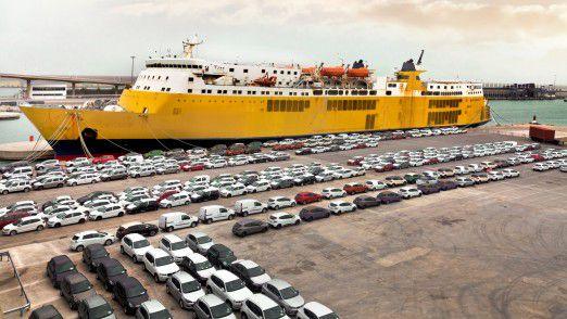 Autos Made in Germany fahren mit dem Schiff in die ganze Welt. Seit dem Dieselskandal bei Volkswagen wackelt der Nimbus vom deutschen Auto.