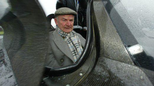 Ferdinand Piëch hat seine Anteile an der VW-Dachgesellschaft Porsche SE weitestgehend verkauft.